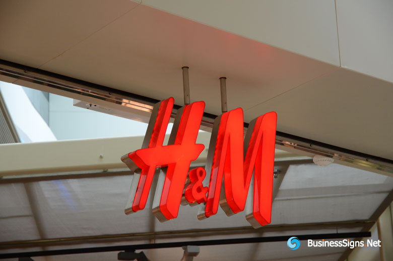 3D LED Front-lit Signs With Brushed Stainless Steel Letter Sheel And 30mm Deep Acrylic Front-panel For H&M