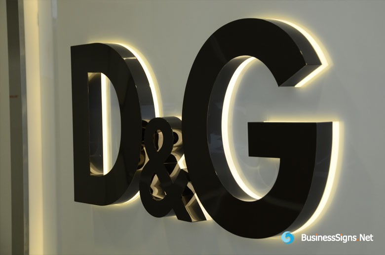 3D LED Back-lit Signs With Mirror Polished Titanium Plated Letter Shell And 10mm Thickness Acrylic Back Panel For Dolce & Gabbana
