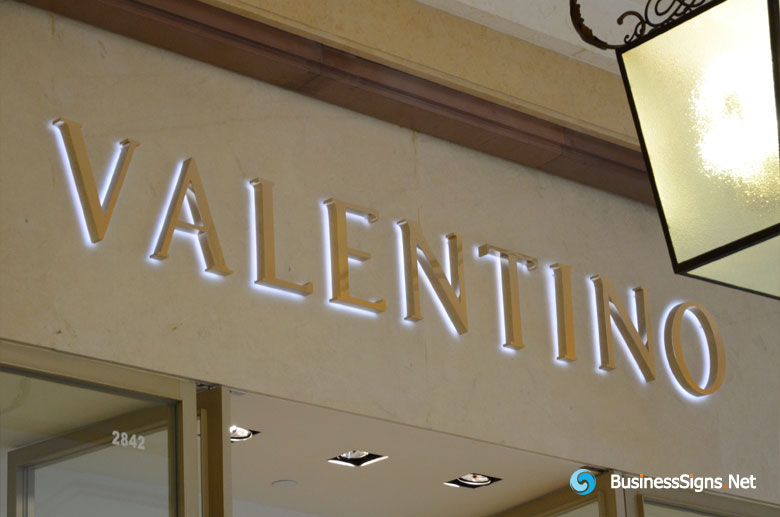 3D LED Backlit Signs With Mirror Polished Gold Plated Letter Shell For Valentino