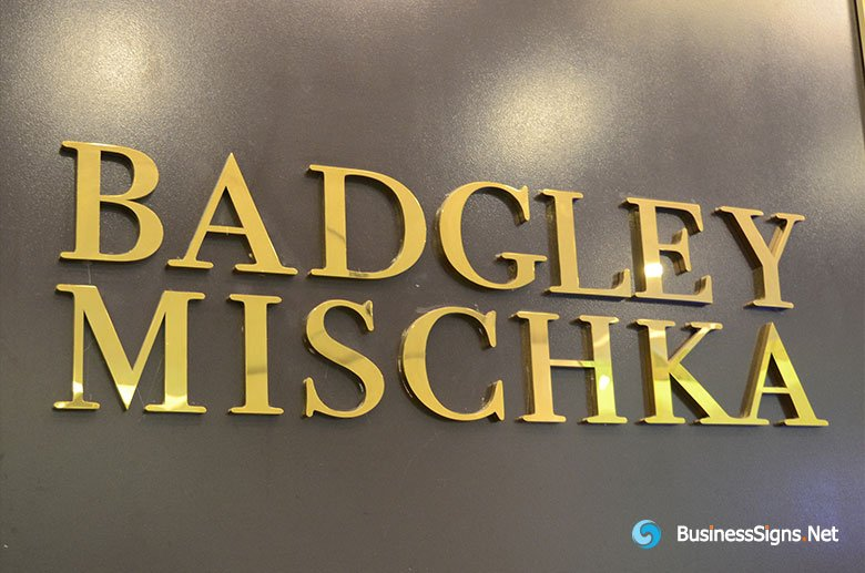 3D Fabricated Mirror Polished Gold Plated Signs For Badgley Mischka