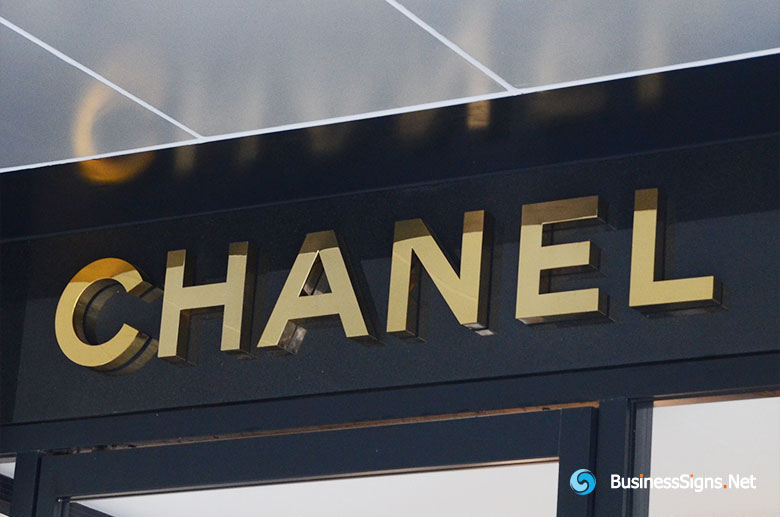3D Fabricated Mirror Polished Gold Plated Signs For Chanel