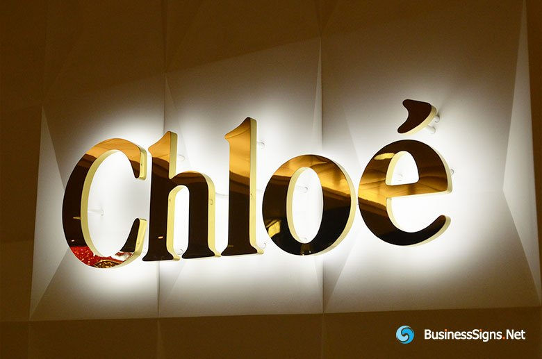 3D LED Backlit Signs With Mirror Polished Gold Plated Letter Shell For Chloé