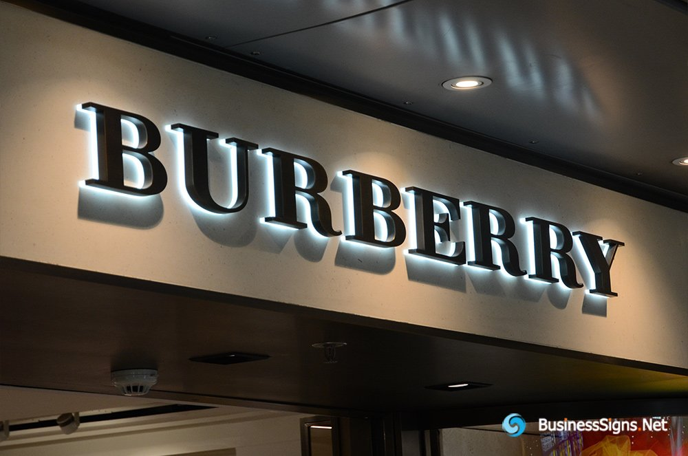 3D LED Backlit Signs With Powder Coated Stainless Steel Letter Shell And Visible Thickness Acrylic Back Panel For Burberry