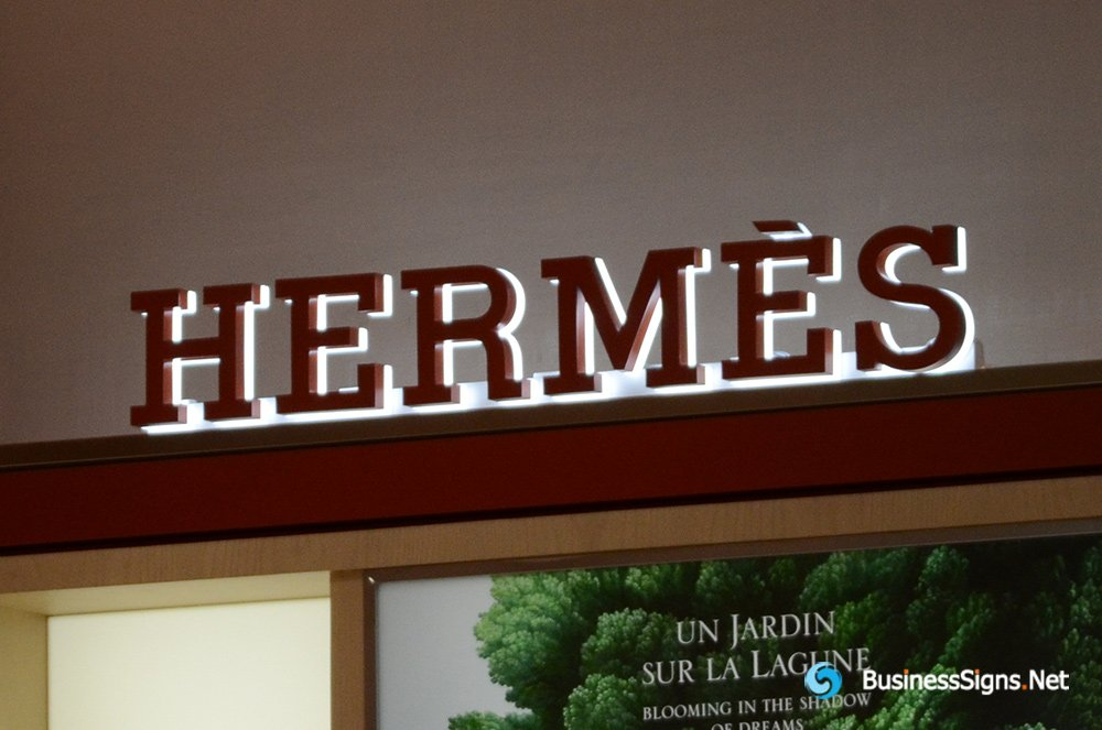 3D LED Backlit Signs With Powder Coated Stainless Steel Letter Shell And Visible Acrylic Back Panel For Hermès