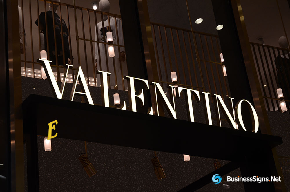 3D LED Front-lit Signs With Gold Plated Brushed Stainless Steel Letter Shell For Valentino