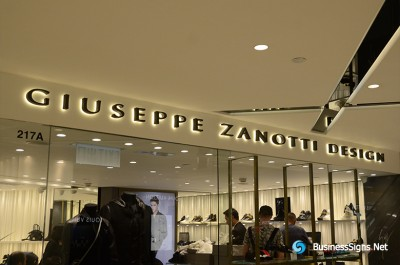 3D LED Back-lit Signs With Mirror Polished Titanium Plated Letter Shell For Giuseppe Zanotti