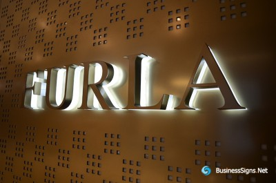 3D LED Backlit Signs With Mirror Polished Stainless Steel Letter Shell And Visible Thickness Acrylic Back Panel For Furla