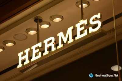 3D LED Front-lit Signs With Mirror Polished Stainless Steel Letter Shell And Visible Thickness Acrylic Front-panel For Hermès